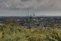 Dieses Foto entstand auf der Halde Nord mit Blick in Richtung Süden. Im Vordergrund befindet sich die Zeche Lohberg und im Hintergrund die Zeche Walsum mit dem Kraftwerk Duisburg-Walsum.